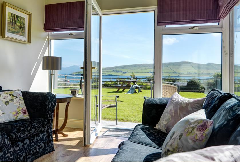 House 18 Ard Na Mara - Dingle holiday home rental with scenic views